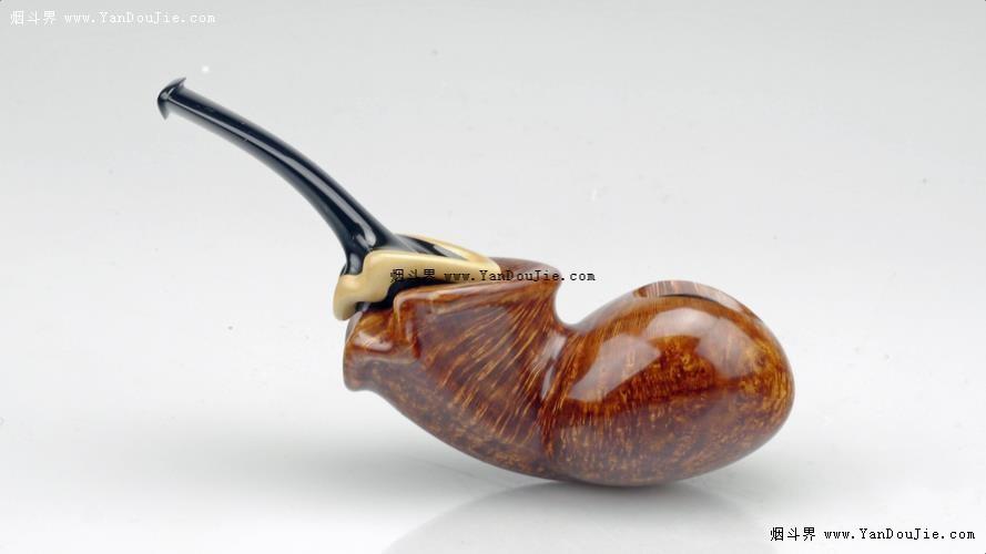 自由式鱼形烟斗图
